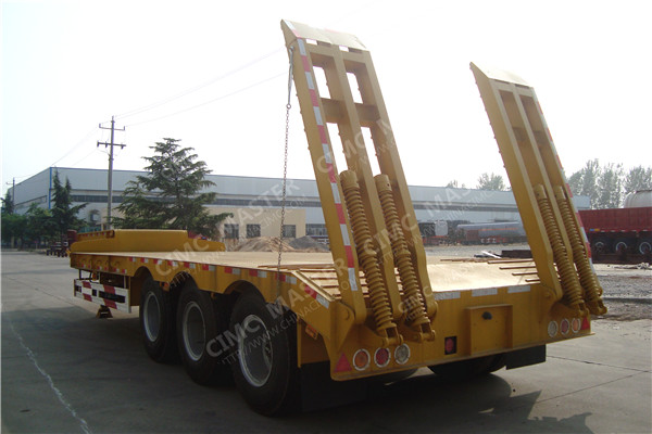 three axles lowbeds trailer