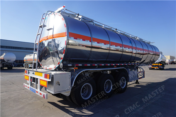 CIMC 40000 Liters palm oil tanker02.jpg