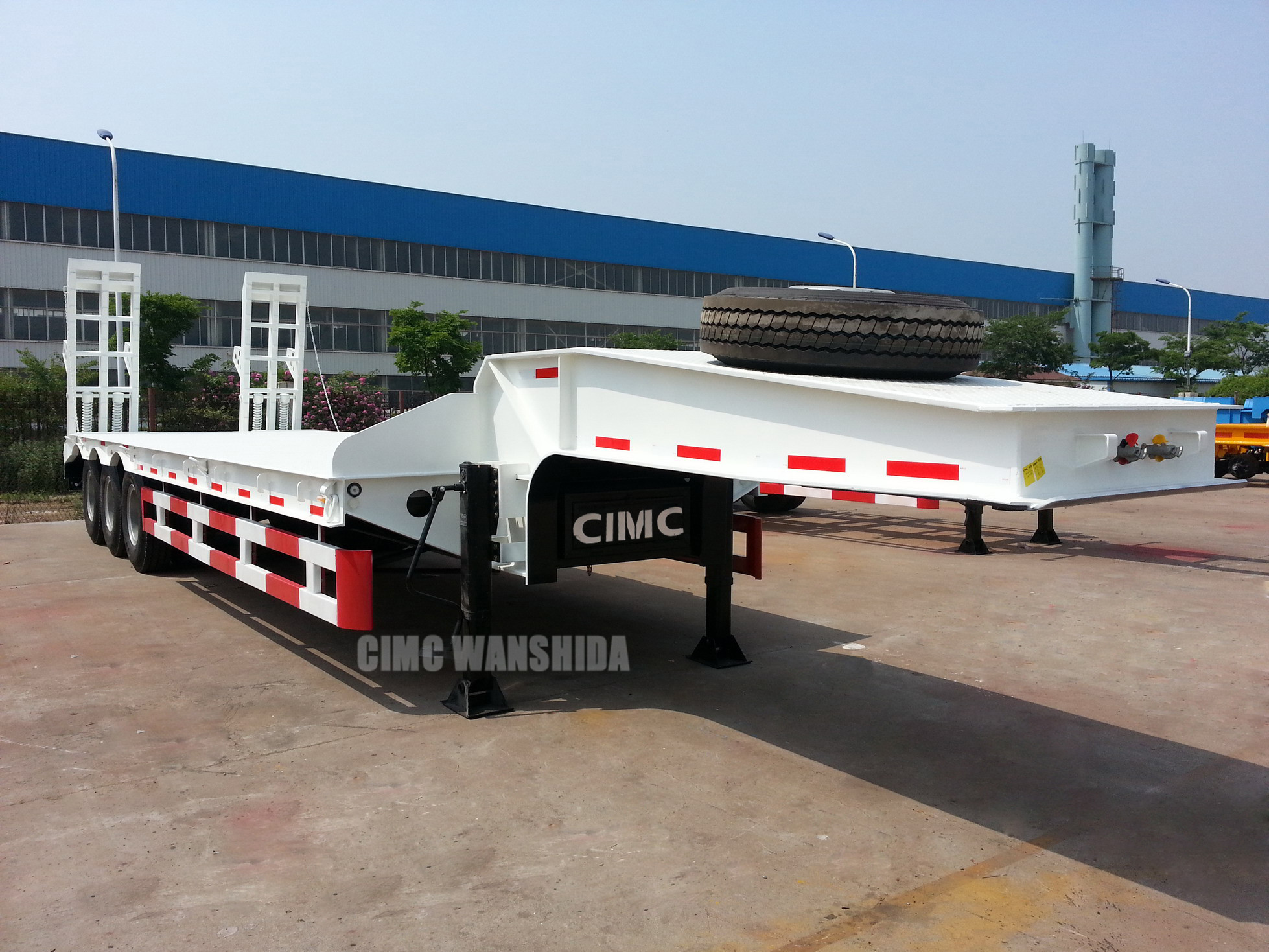 3 axles low bed trailer 60 tons